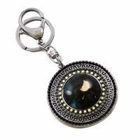 Kľúčenka - prívesok na kabelku prs229-70 - čiernobiela dievčatko