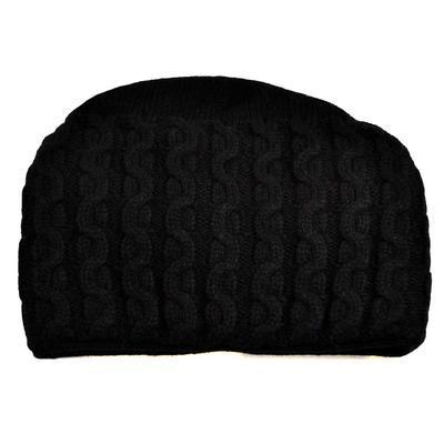 Pletená dámska čiapka - čierna