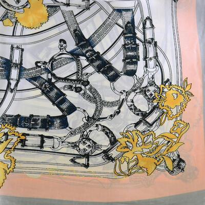 Šatka s bižutériou Letuška - bielo-sivá s potlačou - 2