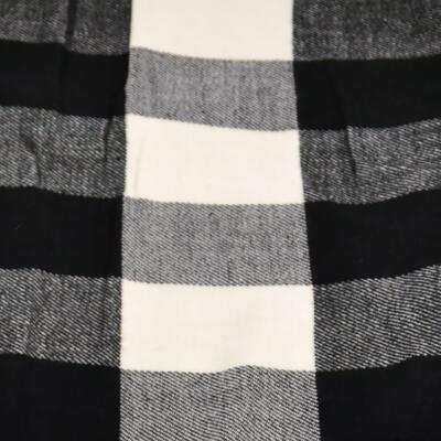 Šál teplý - čierno-biely - 2