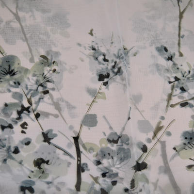 Šál klasický - biely s kvety - 2