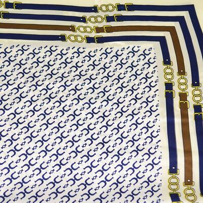 Šatka saténová malá - bielo-modrá - 2