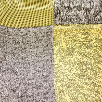 Šatka saténová malá - žlto-hnedá s potlačou - 2