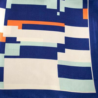 Šatka saténová malá - modro-béžová s potlačou - 2