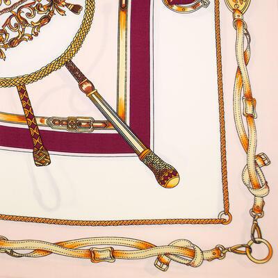 Šatka saténová malá - ružovo-biela s potlačou - 2